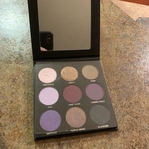 Kylie Cosmetics Purple kyshadow Eyeshadow palette